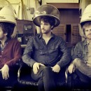 "Jukebox the Ghost announce tour dates, Record Store Day 7"" and launch new single ""Somebody."""